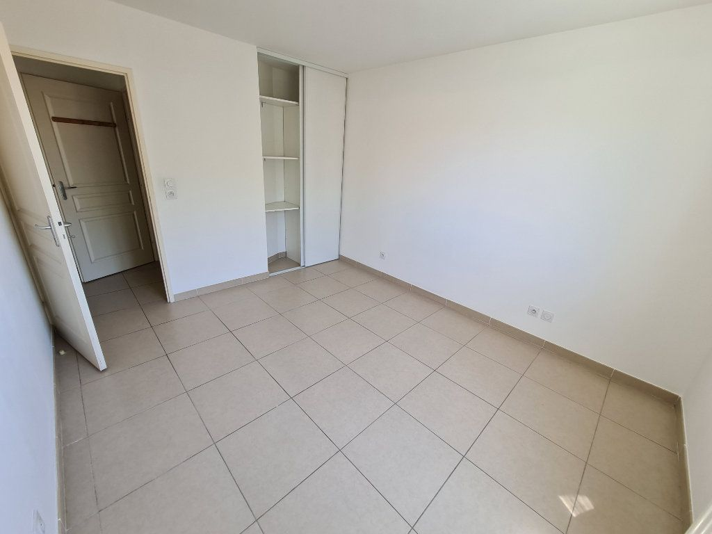 Appartement à vendre 3 60m2 à Ollioules vignette-6