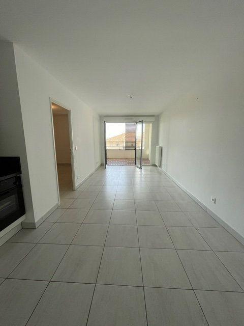 Appartement à louer 2 45m2 à Six-Fours-les-Plages vignette-3