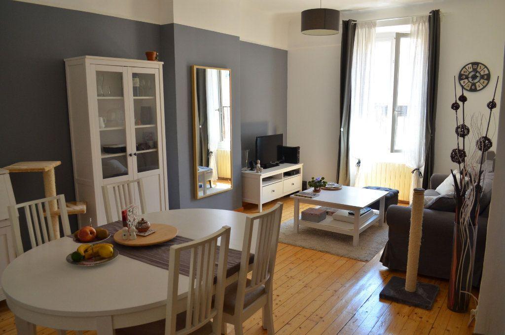 Appartement à vendre 3 70m2 à Toulon vignette-2
