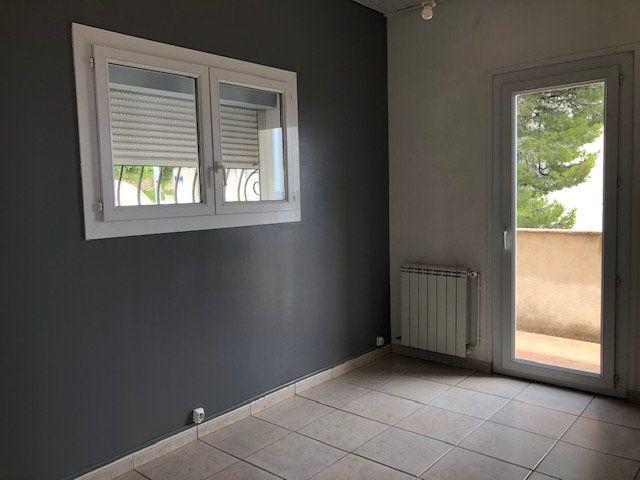 Appartement à louer 3 78m2 à Toulon vignette-6