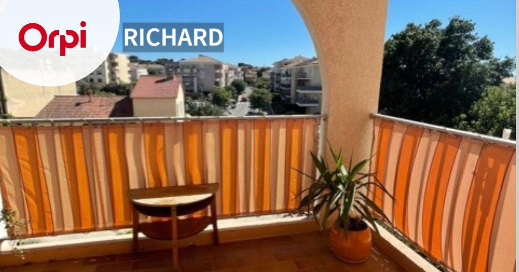 Appartement à louer 3 64m2 à Six-Fours-les-Plages vignette-1