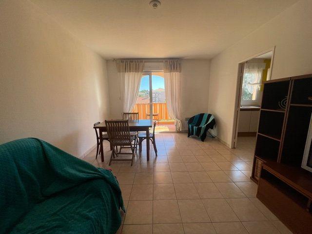 Appartement à louer 3 64m2 à Six-Fours-les-Plages vignette-3