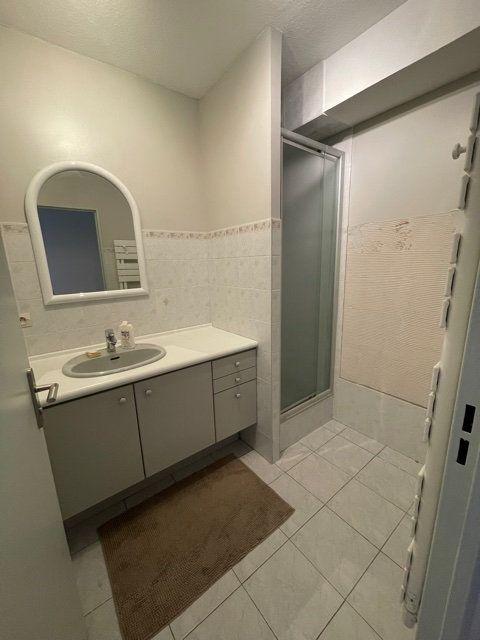 Appartement à louer 3 64m2 à Six-Fours-les-Plages vignette-4