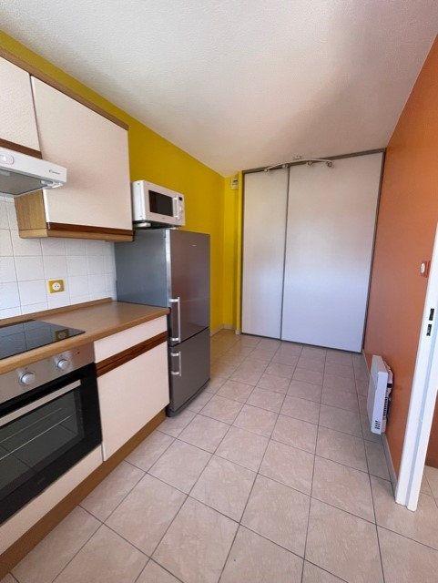 Appartement à louer 3 64m2 à Six-Fours-les-Plages vignette-5