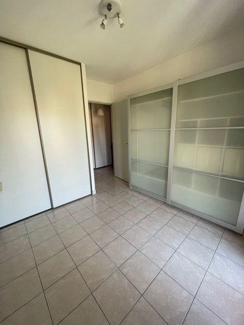 Appartement à louer 3 64m2 à Six-Fours-les-Plages vignette-6