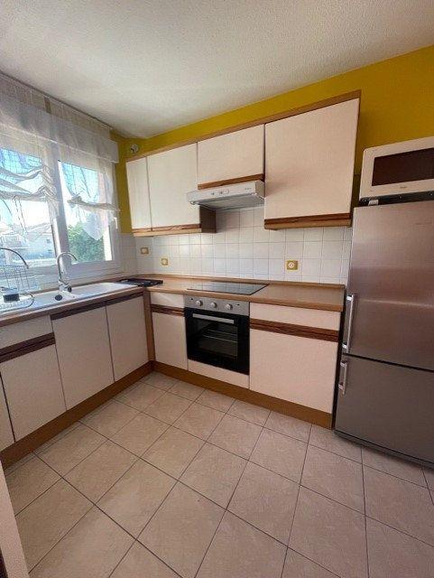 Appartement à louer 3 64m2 à Six-Fours-les-Plages vignette-9