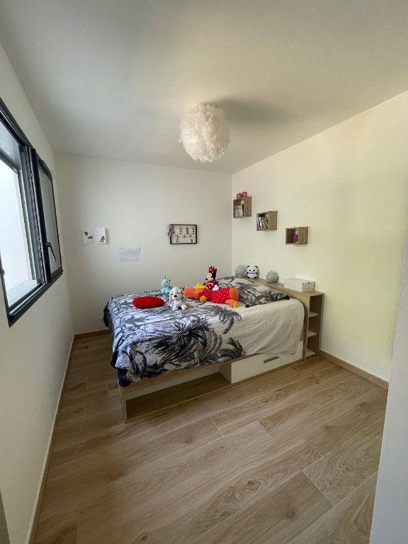 Appartement à louer 3 75m2 à La Seyne-sur-Mer vignette-5