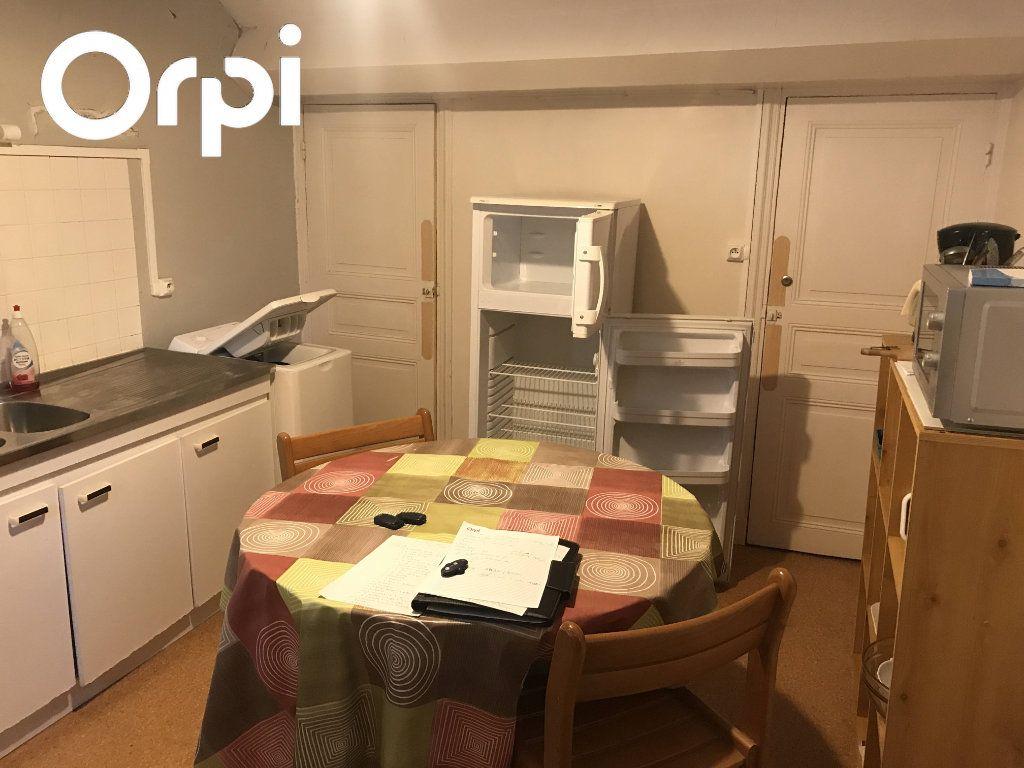 Appartement à louer 3 45m2 à Mende vignette-1