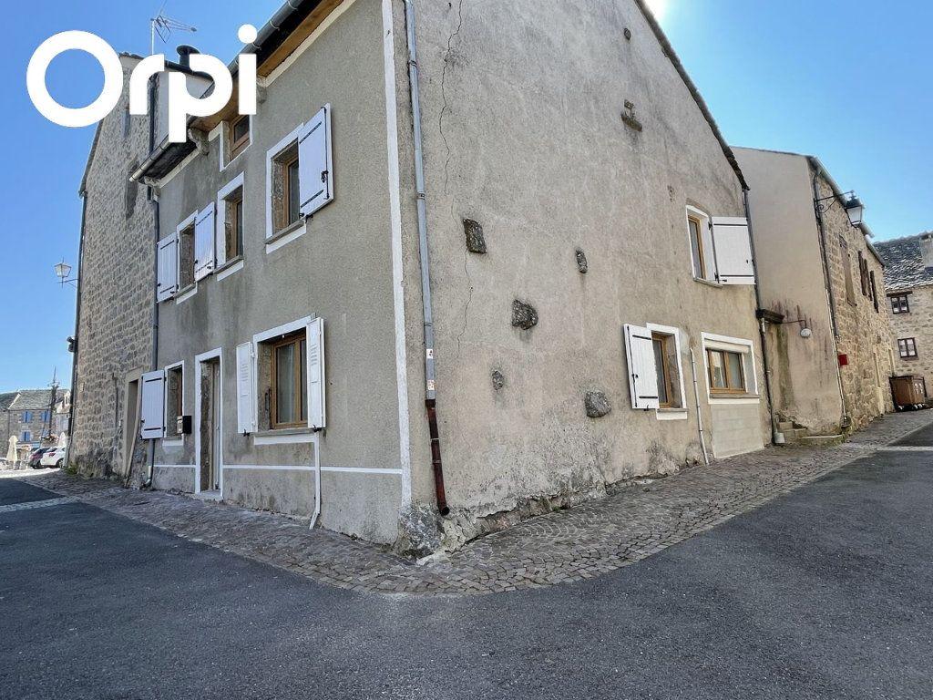 Maison à louer 4 104m2 à Châteauneuf-de-Randon vignette-1