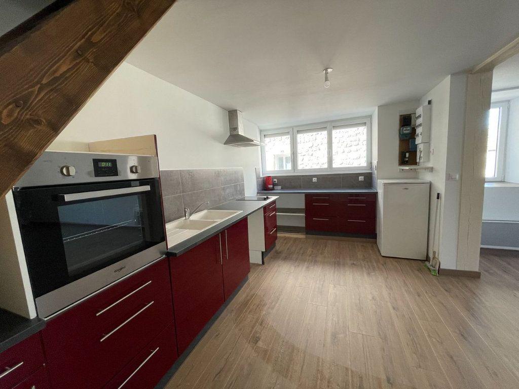 Maison à louer 4 104m2 à Châteauneuf-de-Randon vignette-3