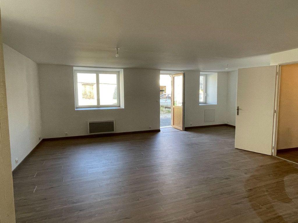 Maison à louer 4 104m2 à Châteauneuf-de-Randon vignette-5