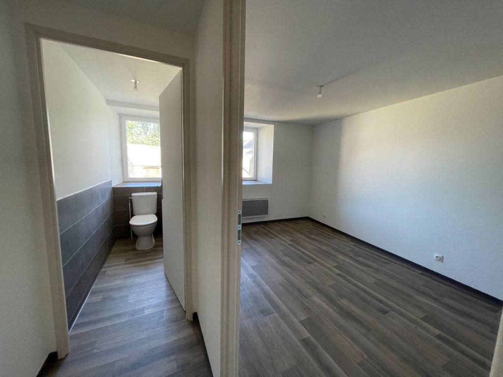 Maison à louer 4 104m2 à Châteauneuf-de-Randon vignette-9