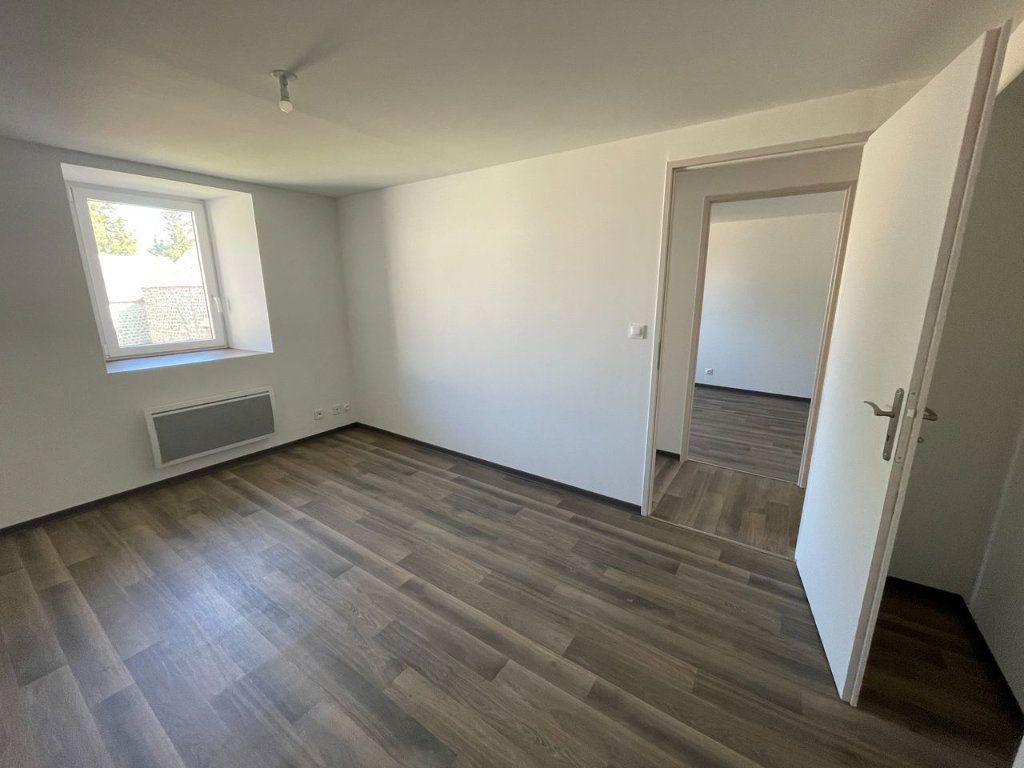 Maison à louer 4 104m2 à Châteauneuf-de-Randon vignette-10