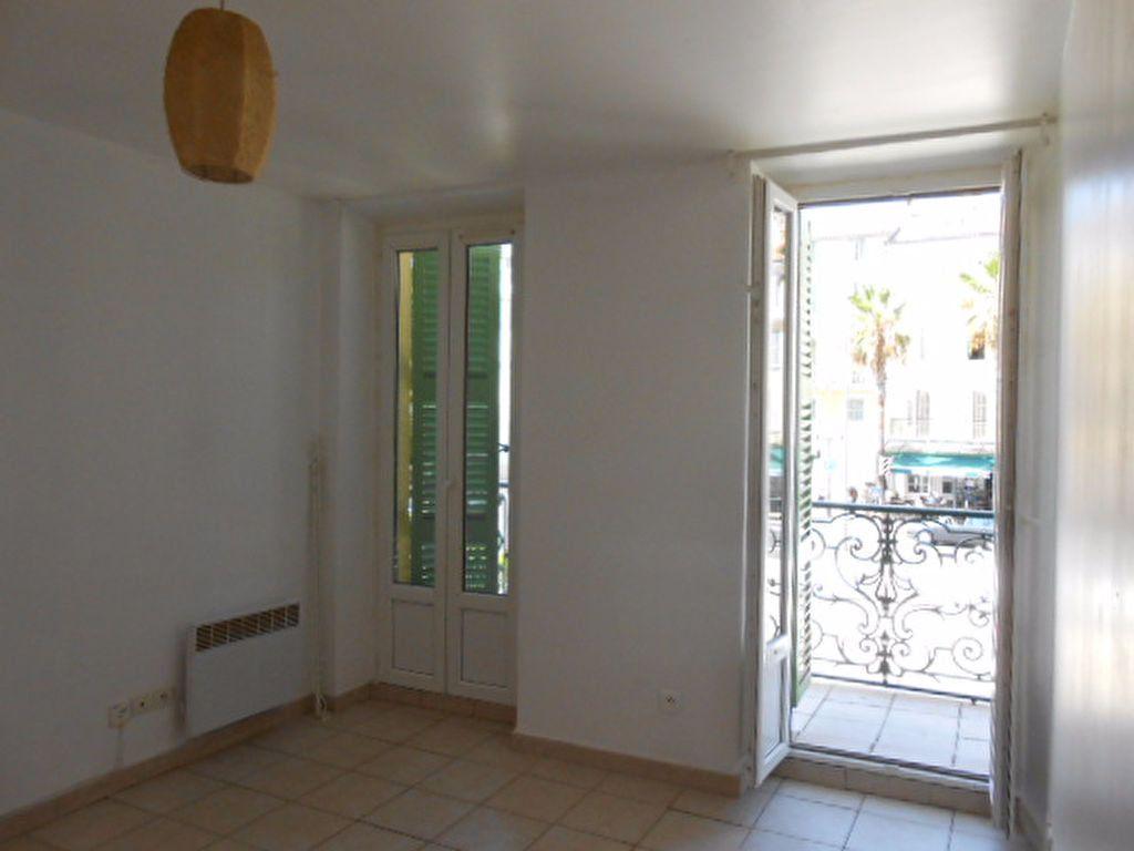 Appartement à louer 2 48m2 à Ollioules vignette-2