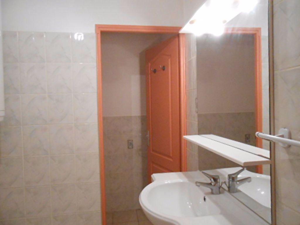 Appartement à louer 2 48m2 à Ollioules vignette-3