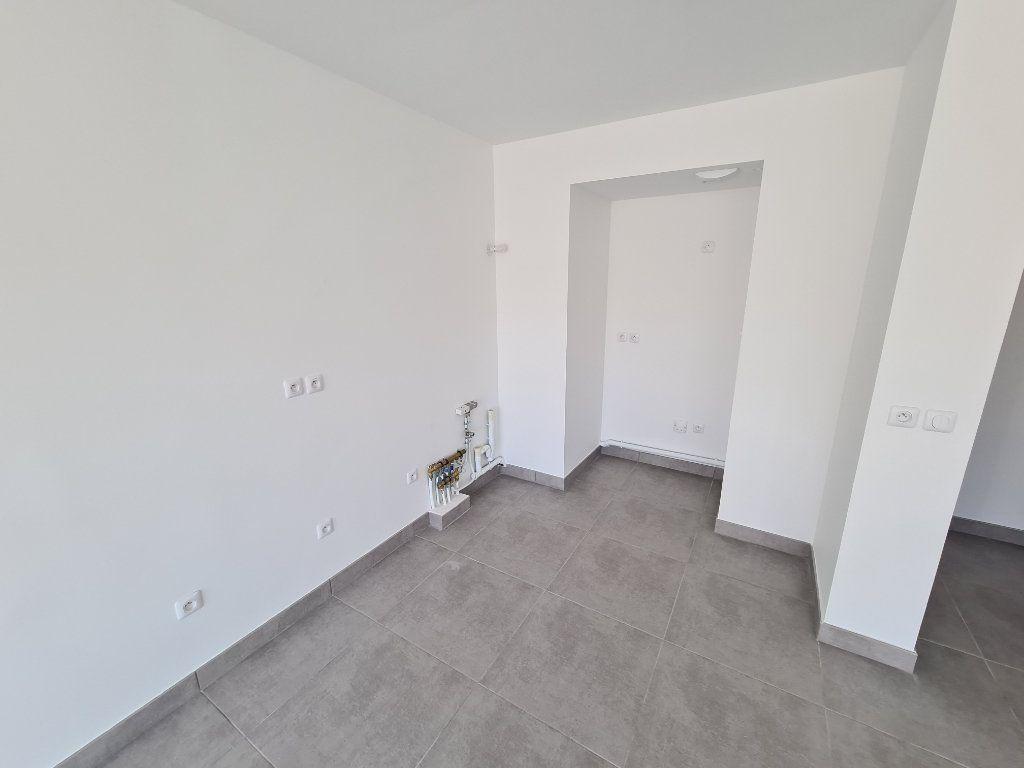 Appartement à louer 2 40m2 à Six-Fours-les-Plages vignette-2