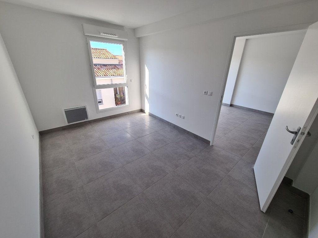 Appartement à louer 2 40m2 à Six-Fours-les-Plages vignette-3