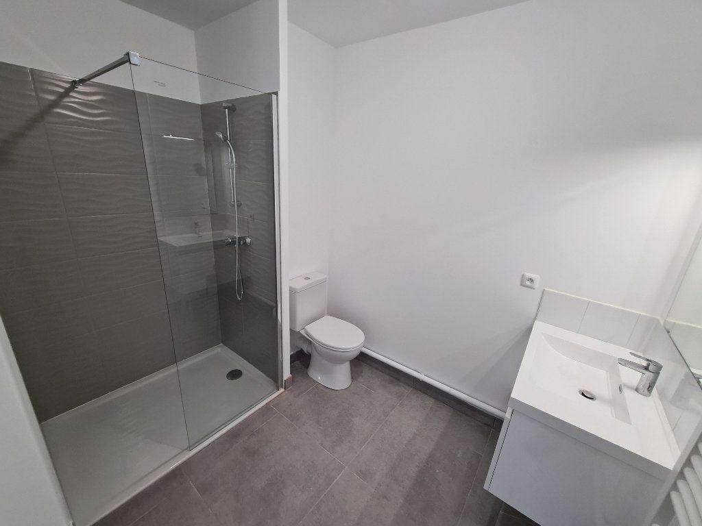 Appartement à louer 2 40m2 à Six-Fours-les-Plages vignette-4