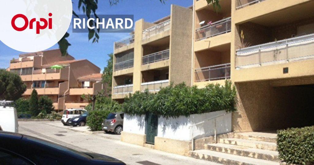 Appartement à louer 3 61m2 à Sanary-sur-Mer vignette-1