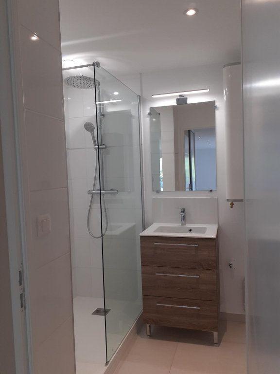 Appartement à louer 3 61m2 à Sanary-sur-Mer vignette-5