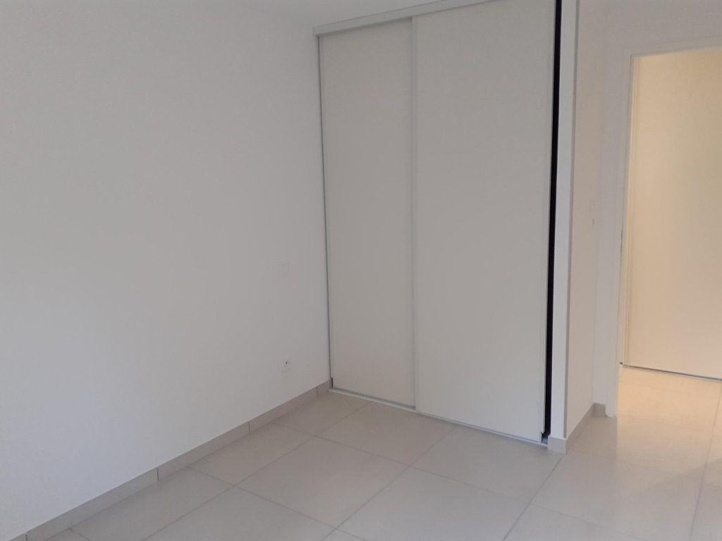 Appartement à louer 3 61m2 à Sanary-sur-Mer vignette-6