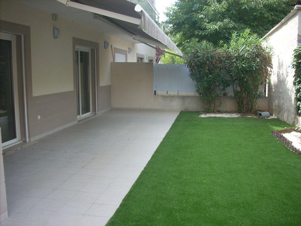 Appartement à vendre 3 101.4m2 à Saint-Cyr-sur-Mer vignette-1