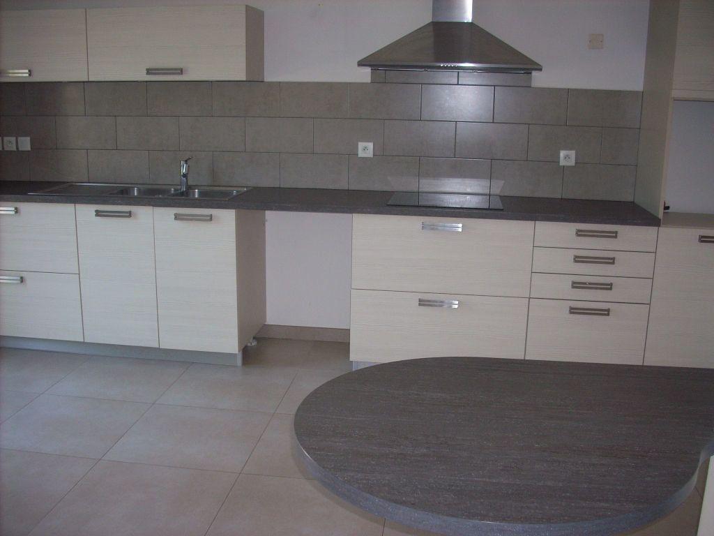 Appartement à vendre 3 101.4m2 à Saint-Cyr-sur-Mer vignette-3