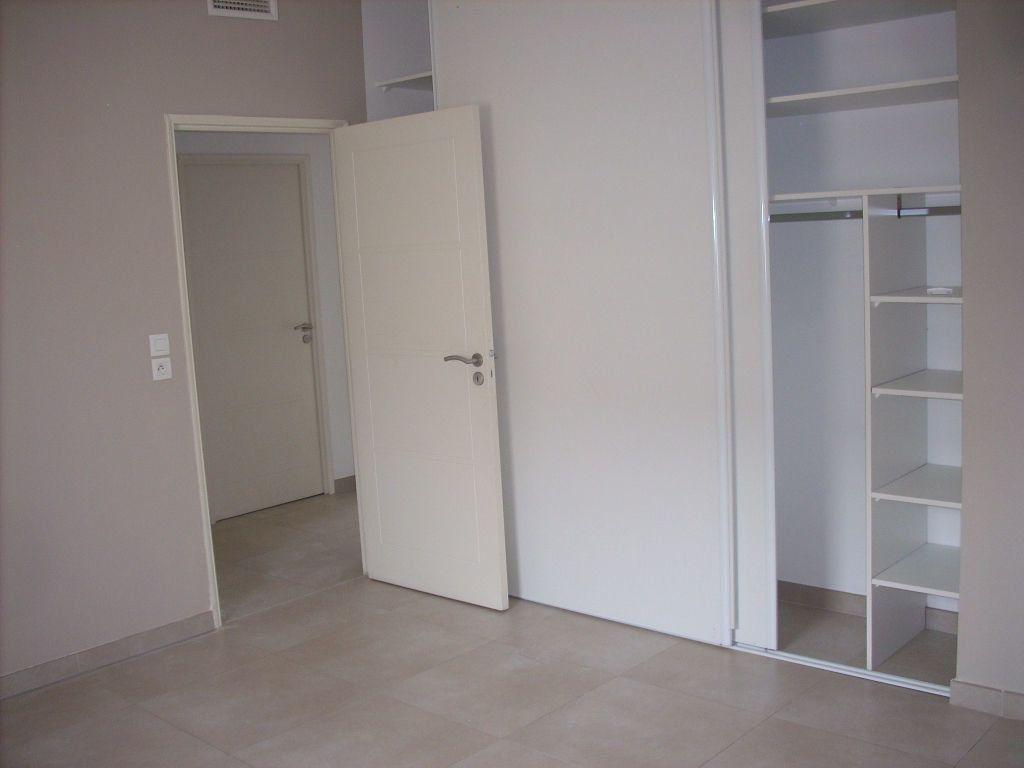Appartement à vendre 3 101.4m2 à Saint-Cyr-sur-Mer vignette-5