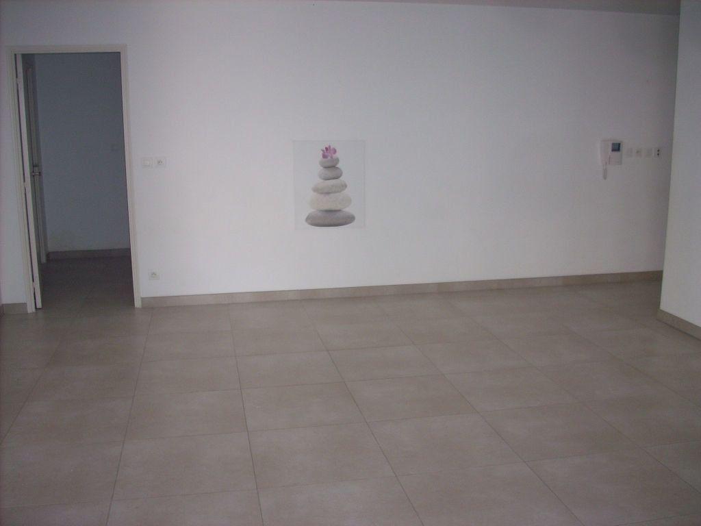 Appartement à vendre 3 101.4m2 à Saint-Cyr-sur-Mer vignette-7