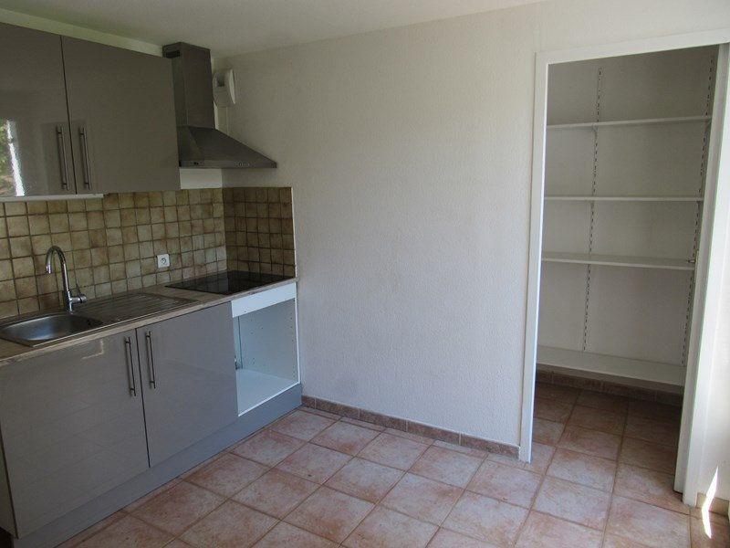 Appartement à vendre 3 68m2 à Saint-Cyr-sur-Mer vignette-2