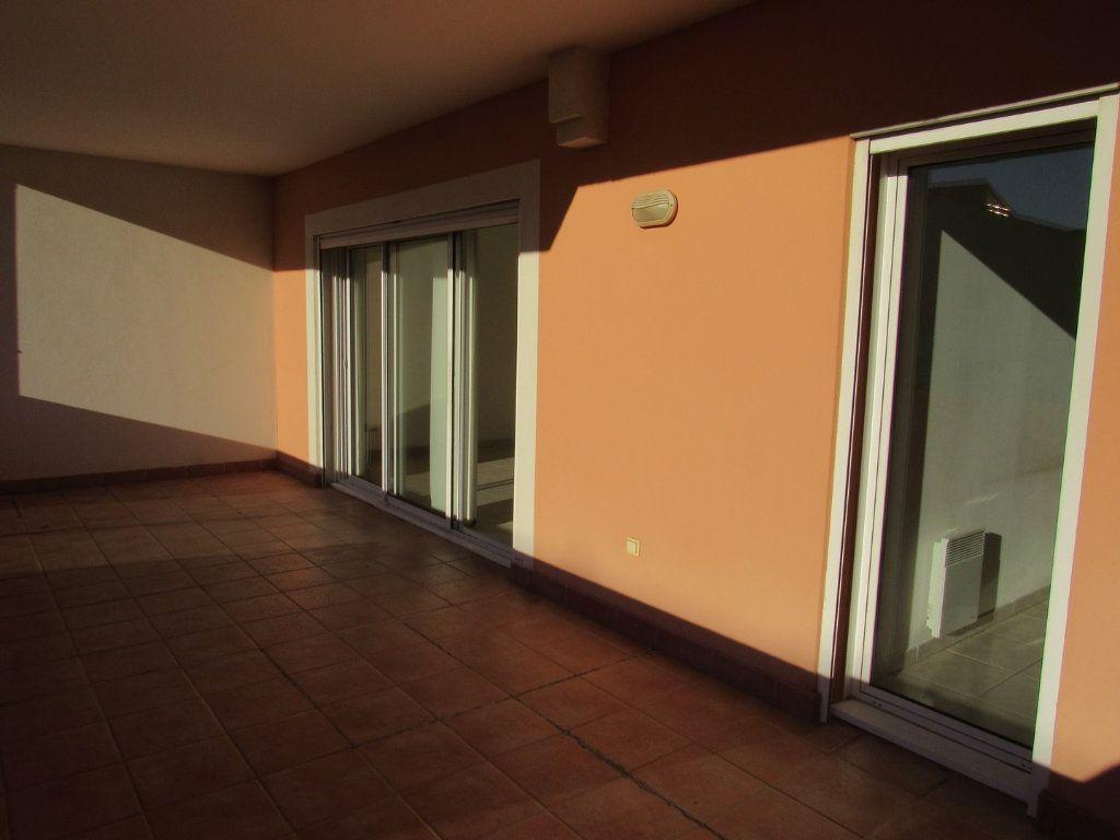 Appartement à vendre 2 61m2 à Saint-Cyr-sur-Mer vignette-6