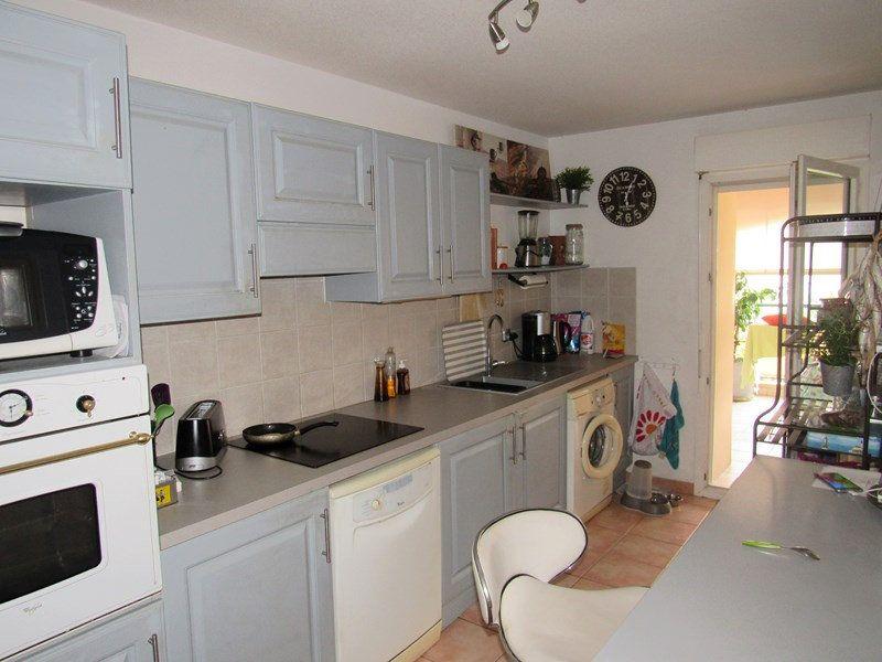 Appartement à vendre 3 64m2 à Saint-Cyr-sur-Mer vignette-2