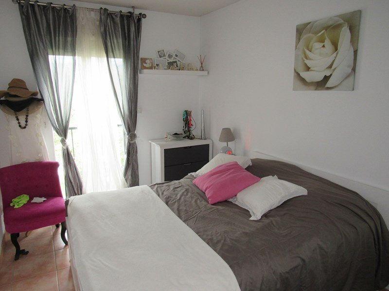 Appartement à vendre 3 64m2 à Saint-Cyr-sur-Mer vignette-3