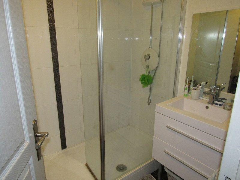 Appartement à vendre 3 64m2 à Saint-Cyr-sur-Mer vignette-4