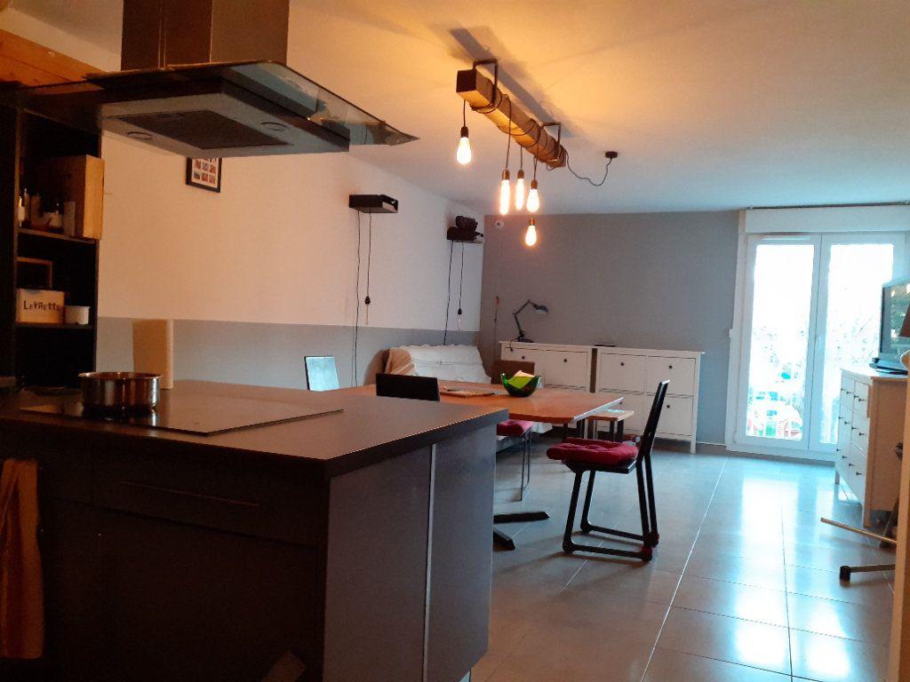 Appartement à vendre 3 65.28m2 à Le Castellet vignette-1