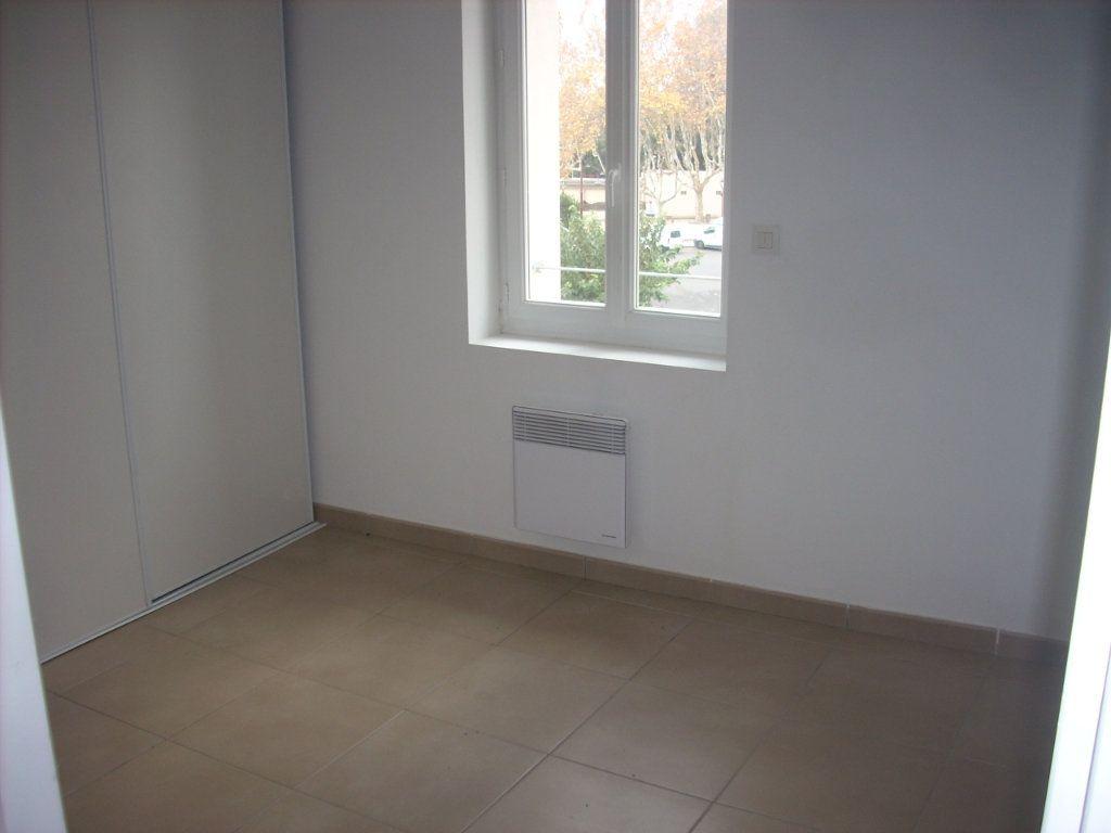 Appartement à vendre 3 55m2 à Saint-Cyr-sur-Mer vignette-4
