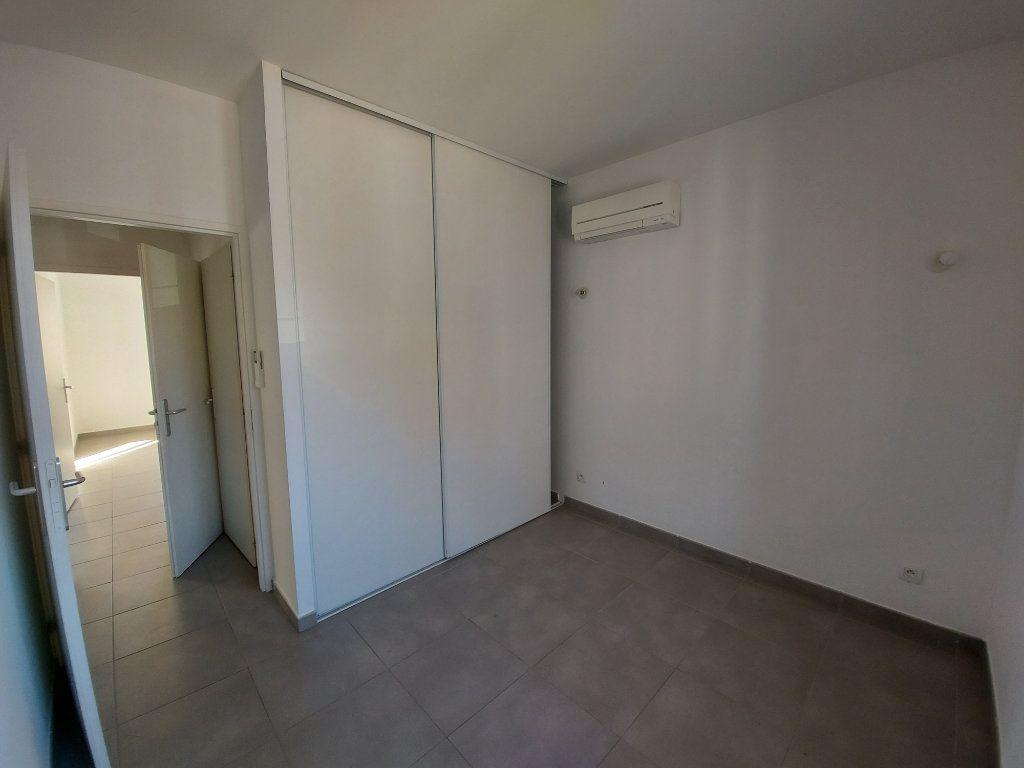 Appartement à vendre 3 55m2 à Saint-Cyr-sur-Mer vignette-5
