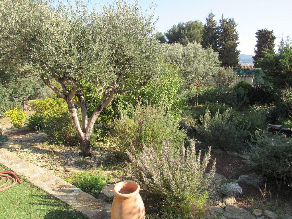 Maison à vendre 7 223m2 à La Cadière-d'Azur vignette-4