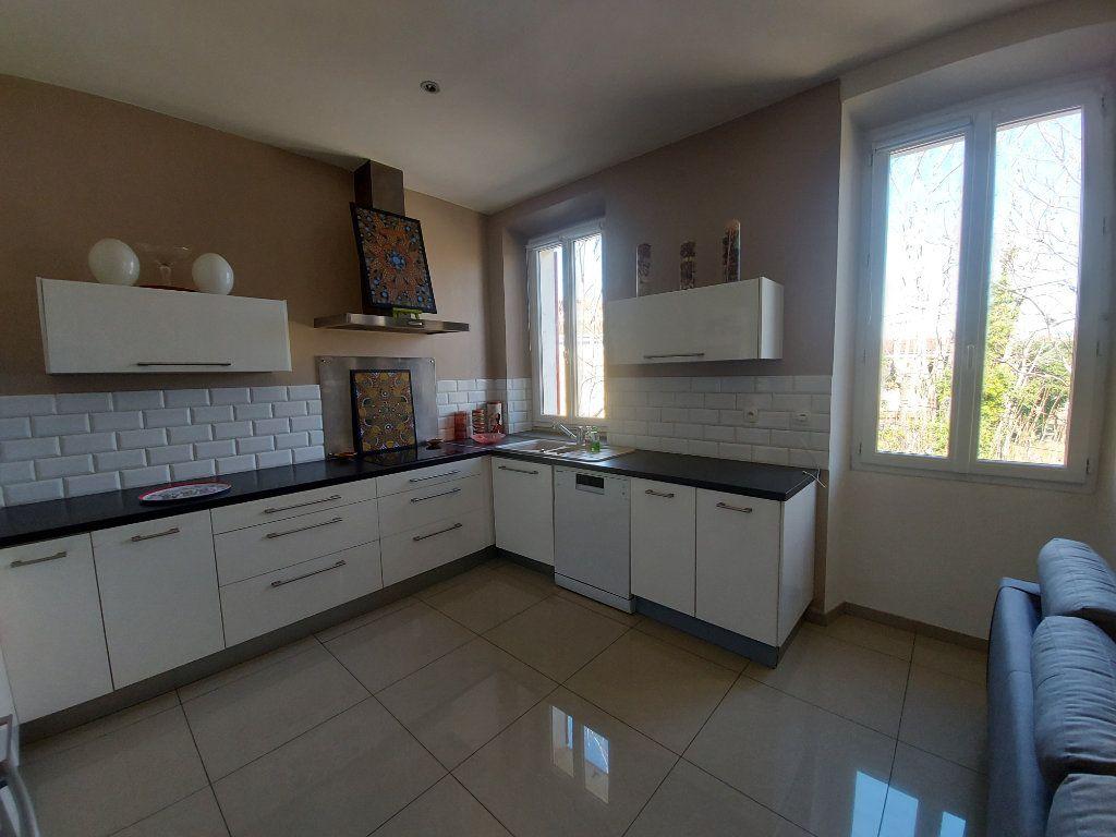 Appartement à vendre 3 63.65m2 à Saint-Cyr-sur-Mer vignette-3