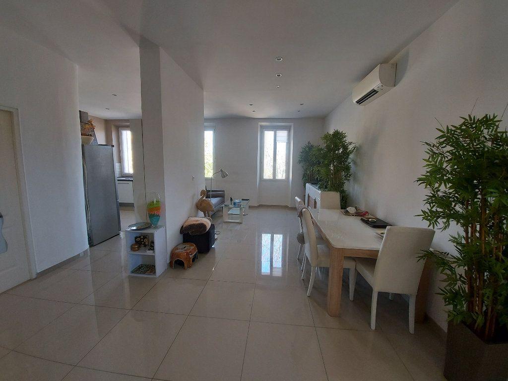 Appartement à vendre 3 63.65m2 à Saint-Cyr-sur-Mer vignette-4
