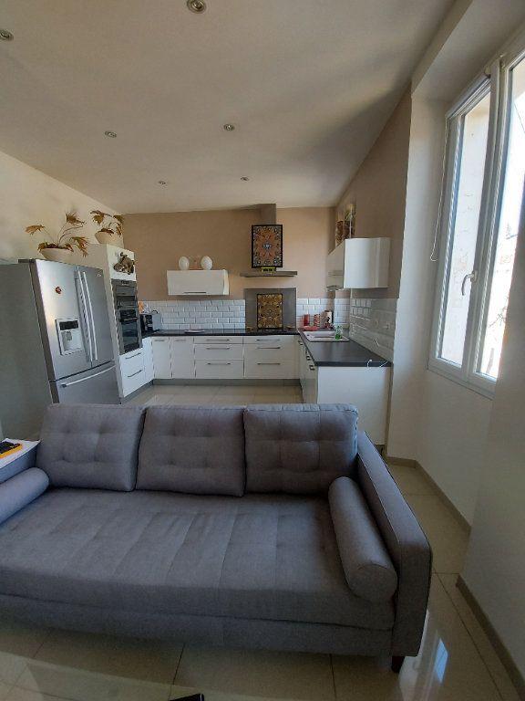 Appartement à vendre 3 63.65m2 à Saint-Cyr-sur-Mer vignette-5