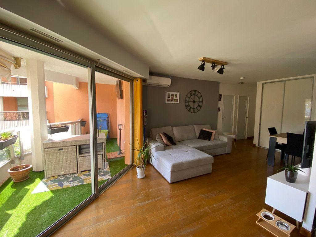 Appartement à vendre 3 61.31m2 à Grasse vignette-1
