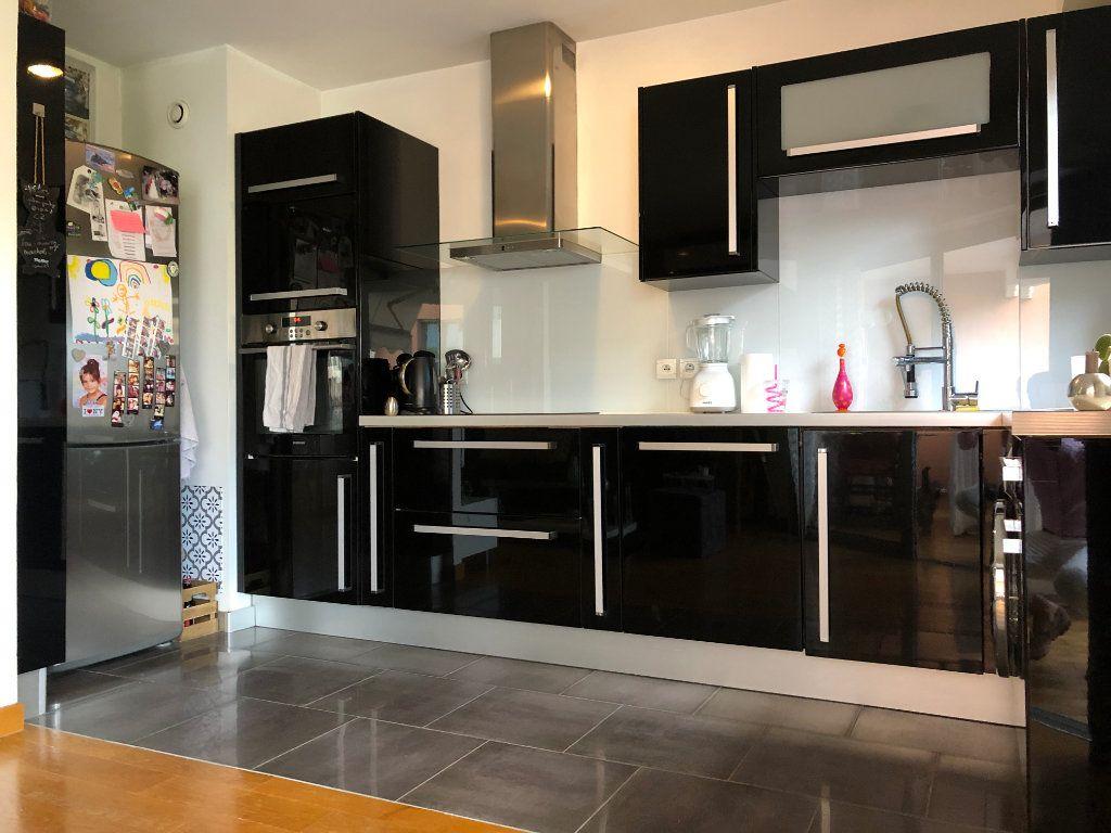Appartement à vendre 3 61.31m2 à Grasse vignette-3