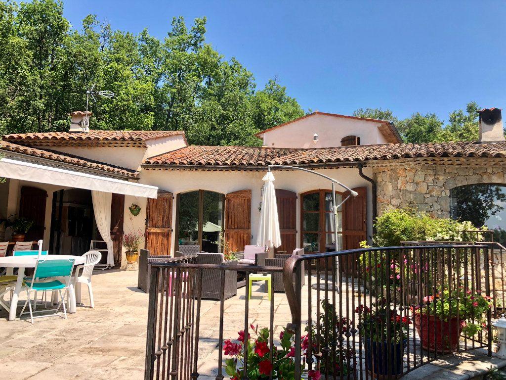 Maison à vendre 7 200m2 à Saint-Cézaire-sur-Siagne vignette-1