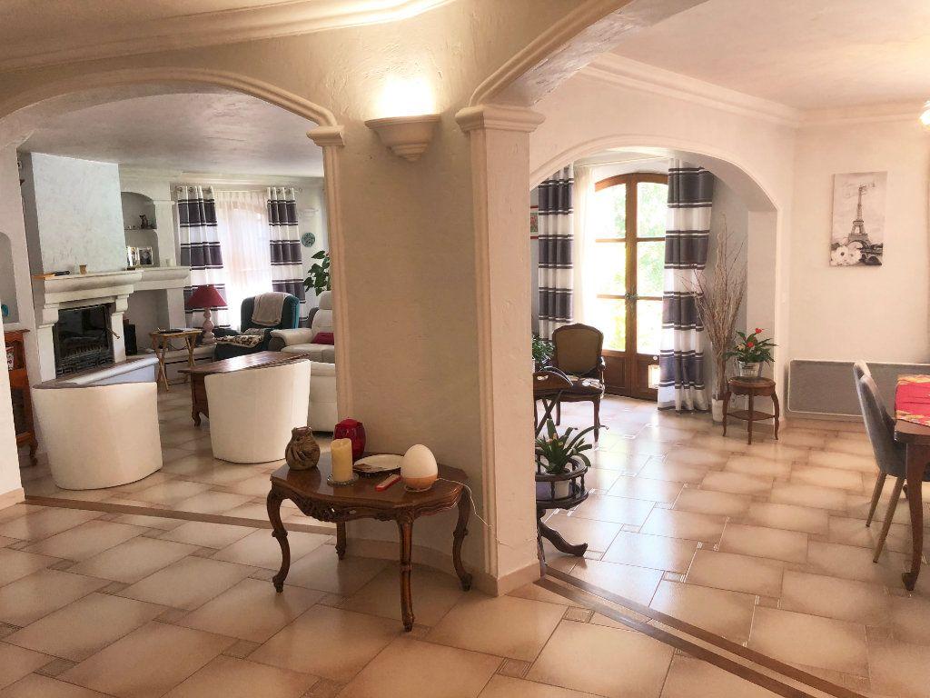 Maison à vendre 7 200m2 à Saint-Cézaire-sur-Siagne vignette-5