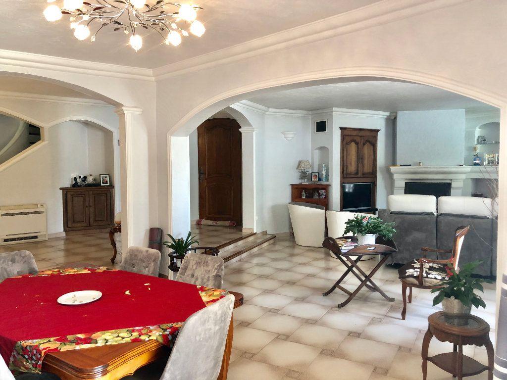 Maison à vendre 7 200m2 à Saint-Cézaire-sur-Siagne vignette-6