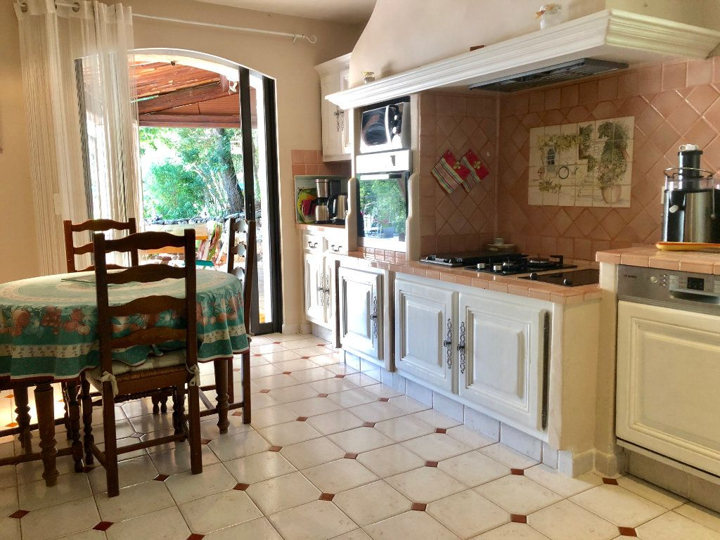 Maison à vendre 7 200m2 à Saint-Cézaire-sur-Siagne vignette-7