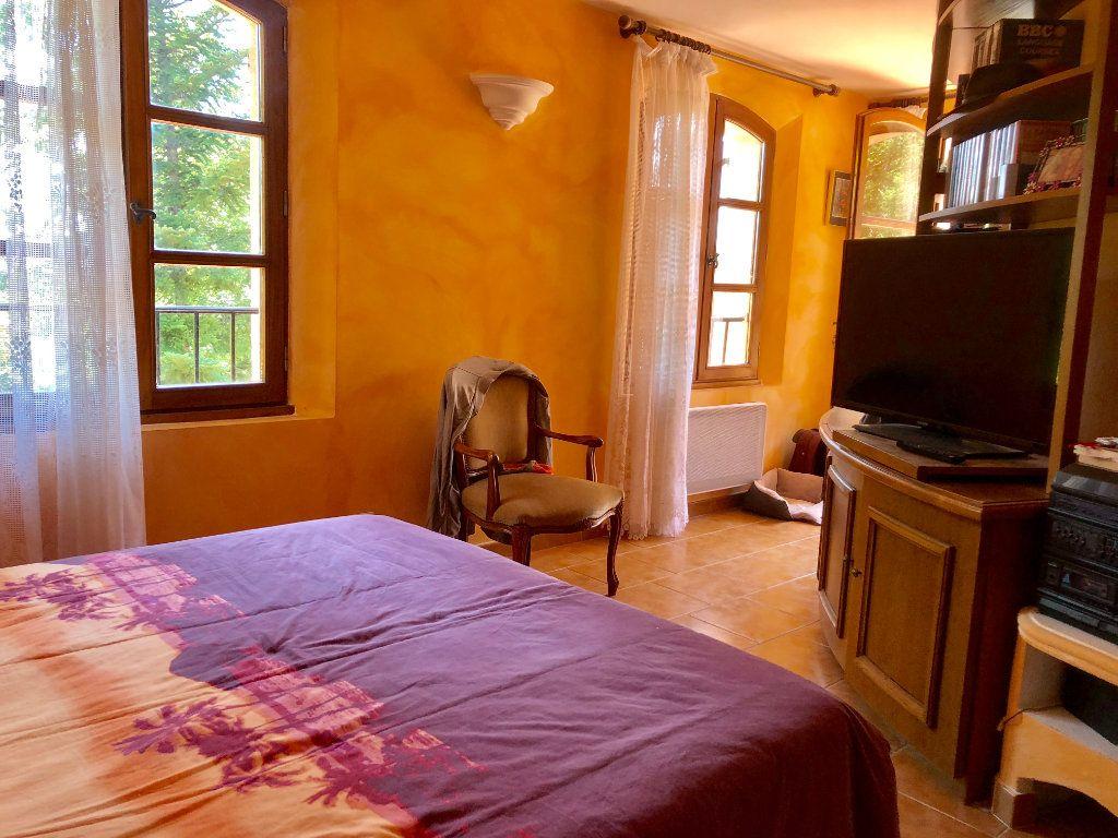 Maison à vendre 7 200m2 à Saint-Cézaire-sur-Siagne vignette-9