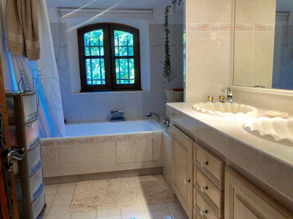 Maison à vendre 7 200m2 à Saint-Cézaire-sur-Siagne vignette-12