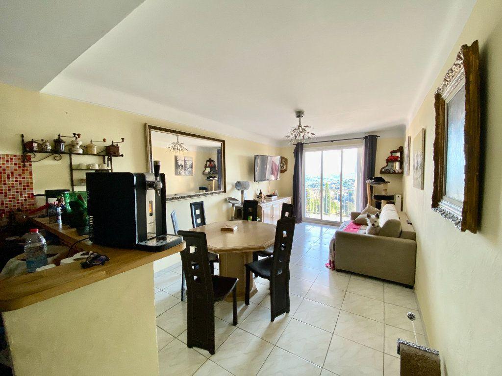 Appartement à vendre 3 65m2 à Grasse vignette-1